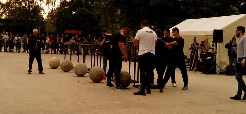 Вижте как силните мъже направиха благотворително шоу за Славянка