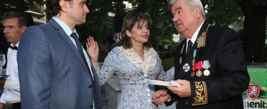 Светска хроника: Кметът на Стрелча бе на прием в Руското посолство