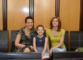 Малката Дара получи награда от 500 лв. от кмета Тодор Попов