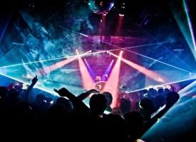 12 непълнолетни вилнеят в дискотеки посреднощ, върнаха ги на родителите им