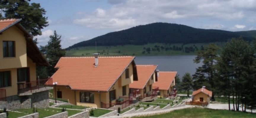 Македонци, руснаци и турци най-често ползват курортите ни