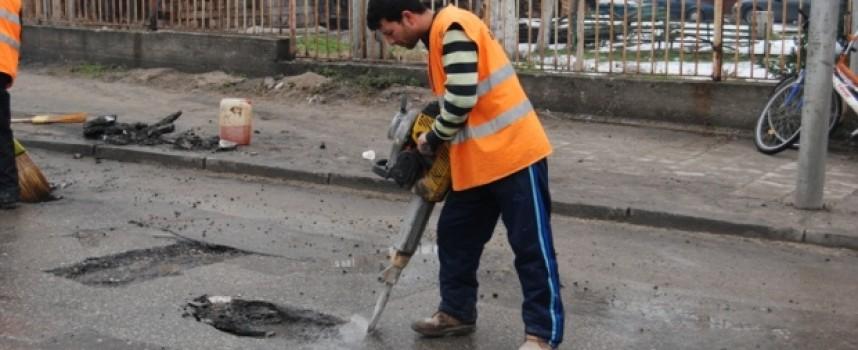 """""""Еко Хидро 90"""" кърпи дупките по селата"""