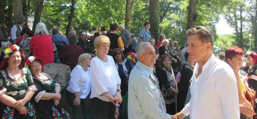 Хората от третата възраст се събраха на Общински фестивал на Добра вода