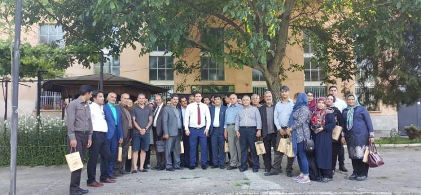 Иранци дойдоха в Стрелча заради розовото масло