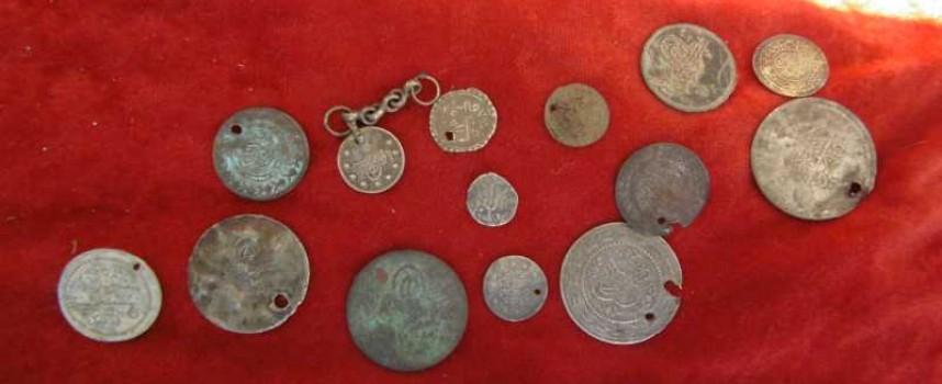 Откриха незаконно оръжие и боеприпаси у иманяри в Нова Махала и Батак