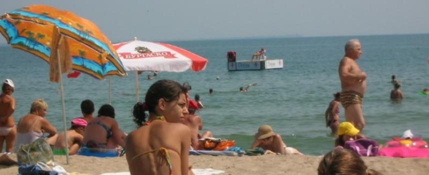 Белмондо от Росен е спипан с нелегални цигари на плажа