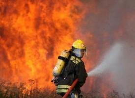 Снощи: 92-годишен дядо се нагълта с дим при пожар, спасиха къщата му и него