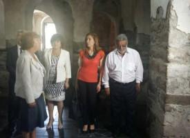 Министър Ангелкова става патрон на събора на народното творчество на Свети Константин