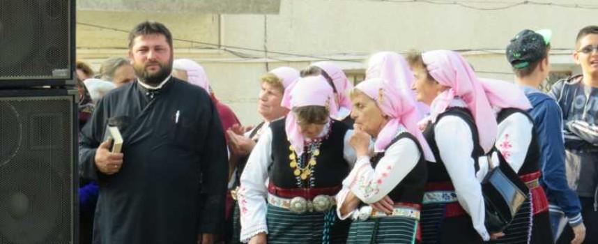 Кирил Радев, Тино Зънгаров и Йордан Младенов дариха пари за празника на Равногор