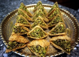 Мюсюлманите празнуват края на Рамазан с Шекер байрям
