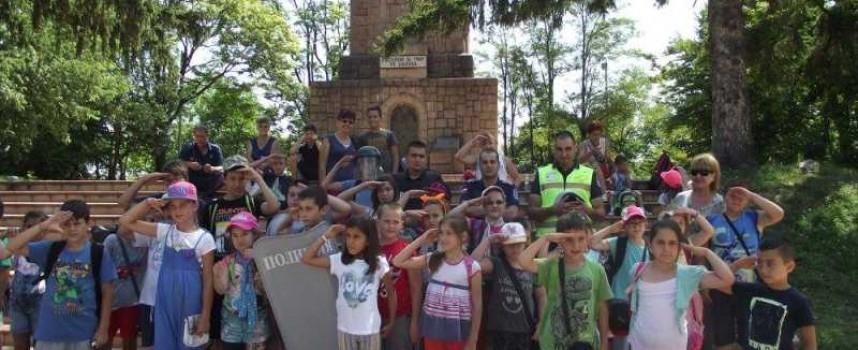 Във Велинград: Деца гостуваха в Полицейското управление