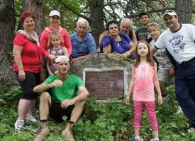 Туристи тръгнаха по стъпките на дядо Вазов