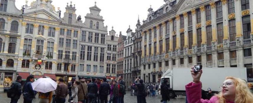 Брюксел реши: Преводът и апостилът на документите за работа в ЕС отпада