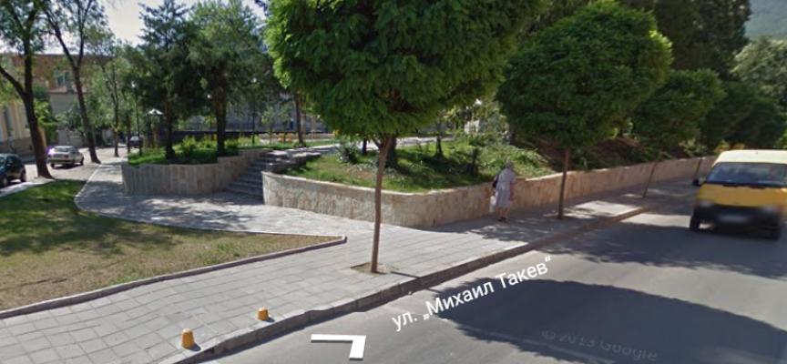 Правят паметник на Левски в Пещера