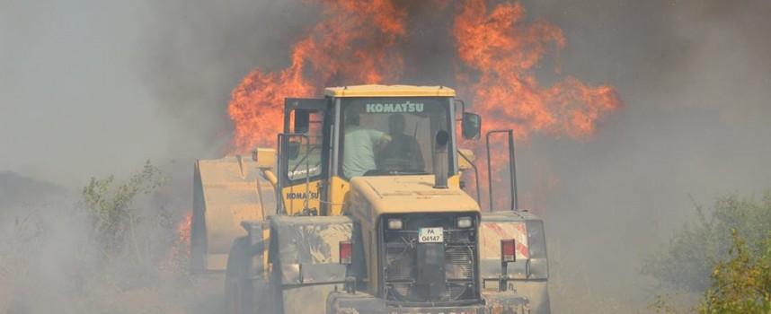 В цялата област: 66 пожара гасиха огнеборците през уикенда, виж къде
