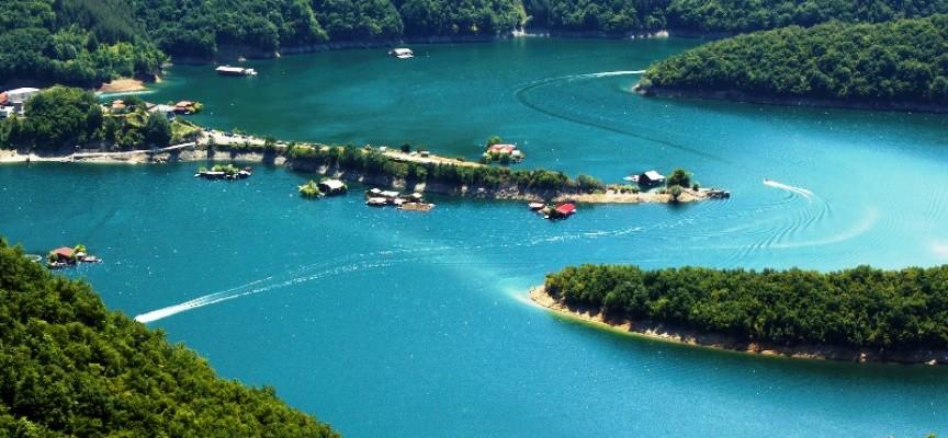 """Язовирите край Пазарджик: Съчетай плажа с хобито на """"малкото море"""""""