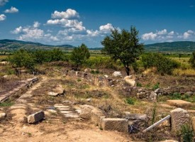 Нови нива на жилищни сгради са открити на Емпорион Пистирос