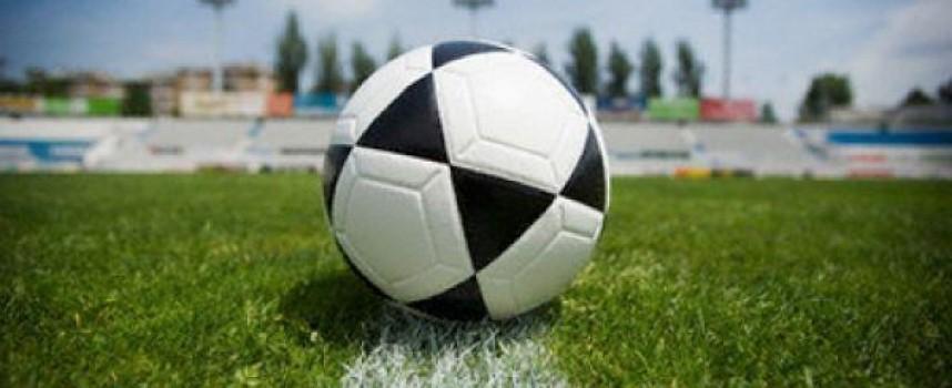В неделя: Футболни звезди играят благотворително за малкия Митко