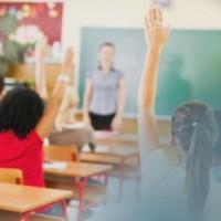 С 500 лв. вдигат заплатите на учителите, които работят с ученици в тежки райони