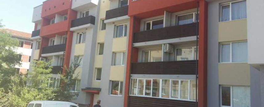 """Брацигово: Зам. министър Нанков реже лентата на санирания блок на ул. """"Ангел Попов"""""""
