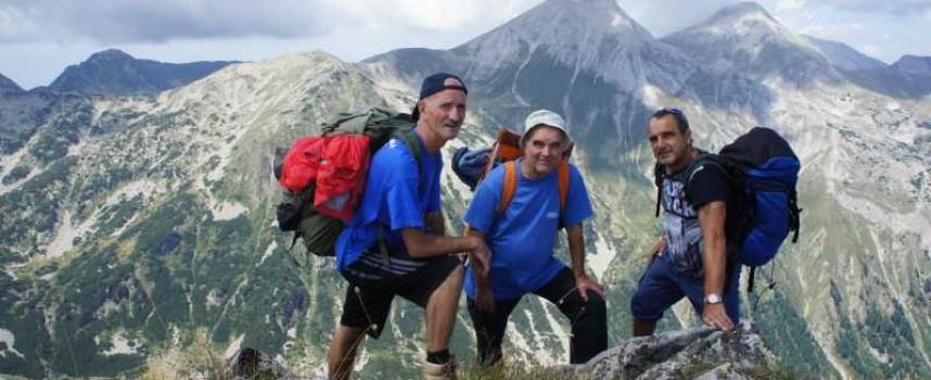 """В неделя: Туристите от """"Незабравка"""" катерят Черни връх"""