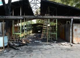 Още снимки от изгорелия Сектор на Пазара