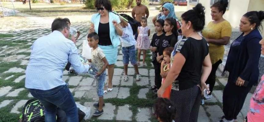 Предприемачи ГЕРБ Пазарджик с дарение за първокласници за първия учебен ден