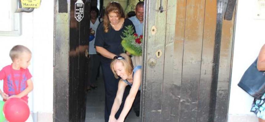 Кандидатката за вицепрезидент Илияна Йотова се срещна с брациговци в Гюлеметовата къща