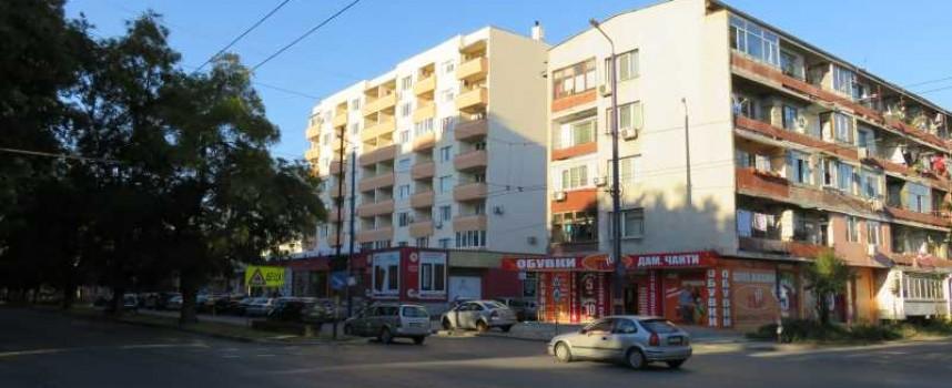 УТРЕ: Кметът Тодор Попов реже лентата на санирания блок срещу Механото