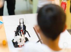 """""""Работилница за граждански инициативи"""" търси учители за отбори по роботика"""