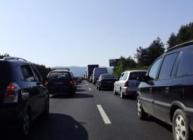 АПИ предупреждава за задръствания по магистралите заради завишения трафик