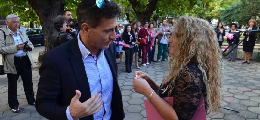 Кметът Попов даде официален старт на 15-тата кампания за борба с рака на гърдата