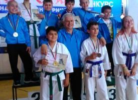 """Каратеките на """"Тонус Спорт"""" се завърнаха от Световна KOHAI Купа на SKDUN -Бургас с 10 медала"""