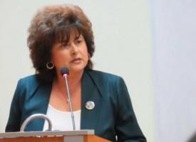 Караминова върна две решения на съветниците в Пазарджик и Ракитово