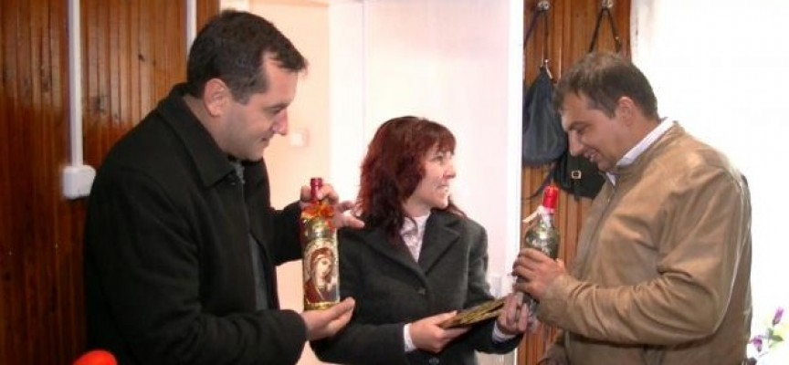 Марин Рачев спази обещанието си, Глория от Карабунар вече има нова къща