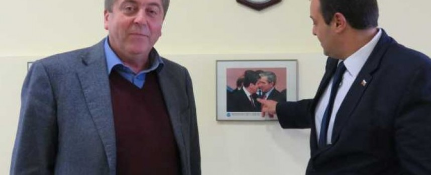 Първанов за снимка с Буш: Президентът е силен не с власт, а с влияние