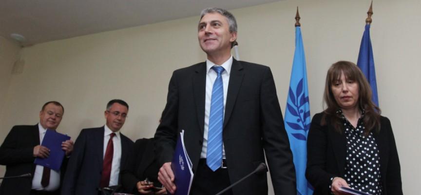 ДПС избра да подкрепи Пламен Орешарски и Данаил Папазов