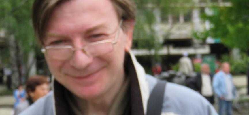 Операторът – турист Евгени Попов прави филм за поетите в Септември