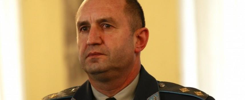 Петминутна заря над Пазарджик ознаменува победата на Румен Радев