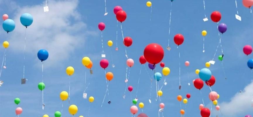 """100 балона литват над """"Аксаков"""" за Международния ден на ученика"""