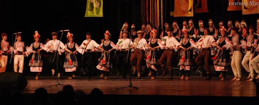 """На 1 декември: Съвместен концерт на """"Чудесия"""" и """"Филип Кутев"""", места почти няма"""