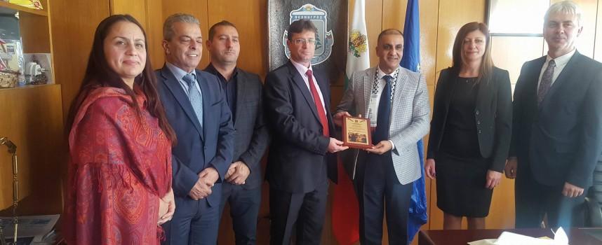 Посланикът на Палестина посети Велинград