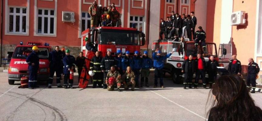 Доброволците в Белово получиха противопожарен автомобил