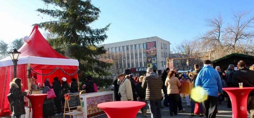 Тази нощ: Септември, Калугерово и Пазарджик празнуват на площада, Велинград къпе безплатно утре
