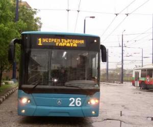 """Важно! Полагат асфалт на ул.""""Христо Ботев"""" в Пазарджик, не чакайте тролея днес следобед"""