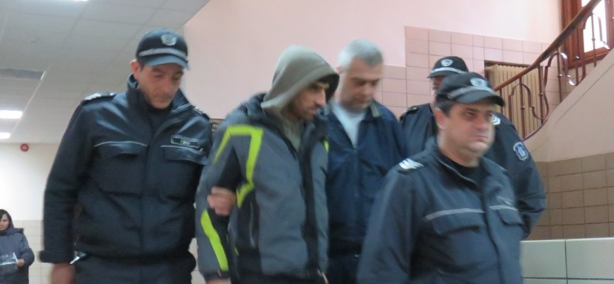 "Адвокатите на арестуваните за канабис Желев и Тончев искат ""домашен арест"""