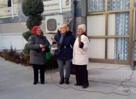 В Стрелча: Наричане на китки представиха фолклорен състав и пенсионерски клуб