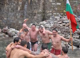 В Юнаците: Хвърлят кръста на Богоявление на новия мост на Тополница