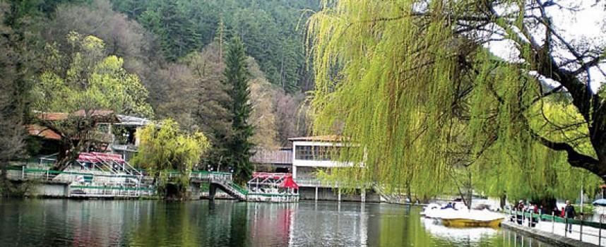 """Три години Община Велинград чака окончателно съдебно решение за премахването на ресторант """"Езерото"""" край Клептуза"""