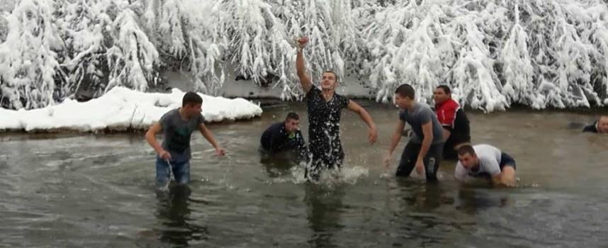 УТРЕ: Къде ще се хвърля кръстът в общинските центрове на областта? Вижте